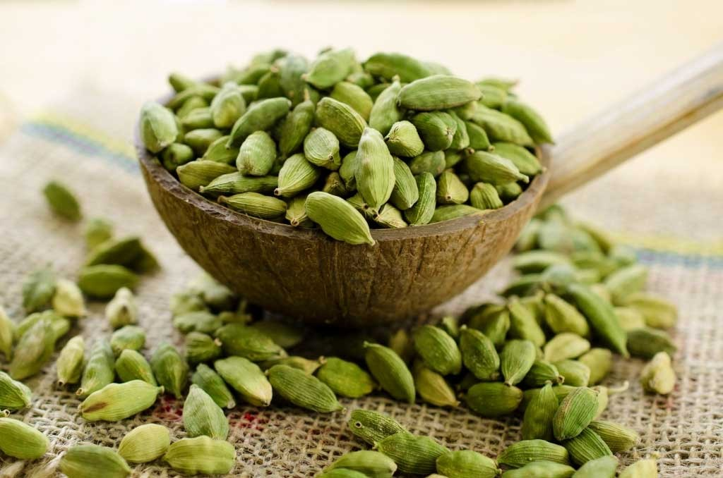 Green Cardamom (Hari Elaichi, Chhoti Elaichi)